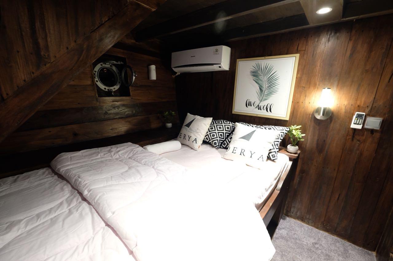 Private Cabin (2 person)